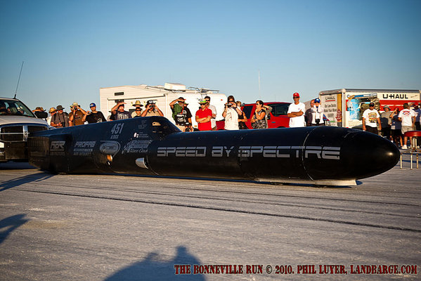 The Speed by Spectre Infidel Liner leaving the start line at Bonneville, on the way to one of three records at SpeedWeek 2010