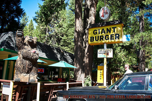 Giant Burger in Arnold, California