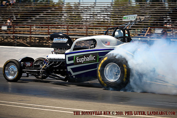 Drag Racing at Famoso Raceway near Bakersfield, California